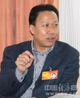 刘雪荣当选黄冈市委书记