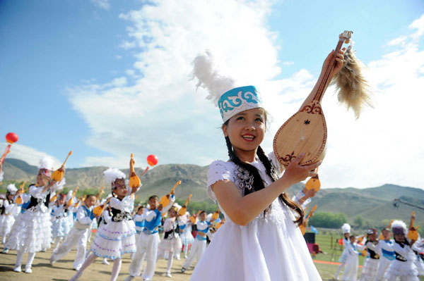 Tourism festival kicks off in NW China